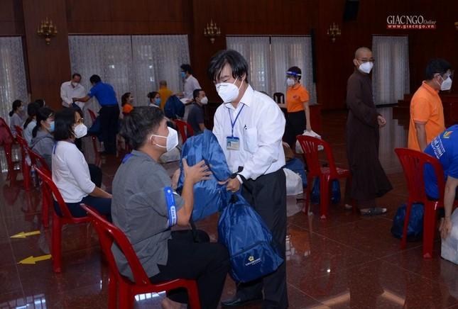 23 tình nguyện viên Phật giáo đến Bệnh viện Dã chiến thu dung và điều trị Covid-19 số 10 ảnh 8