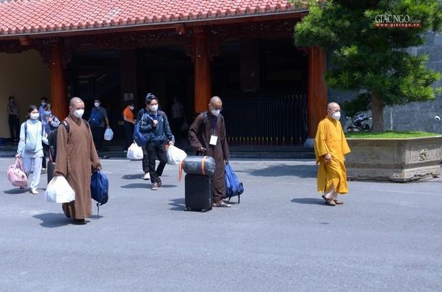 23 tình nguyện viên Phật giáo đến Bệnh viện Dã chiến thu dung và điều trị Covid-19 số 10 ảnh 12