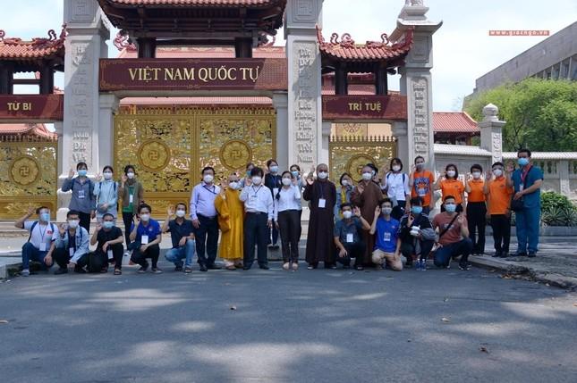 23 tình nguyện viên Phật giáo đến Bệnh viện Dã chiến thu dung và điều trị Covid-19 số 10 ảnh 11