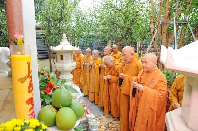 Trang nghiêm lễ tưởng niệm năm thứ 7 ngày Đại lão Hòa thượng Thích Trí Tịnh viên tịch ảnh 10