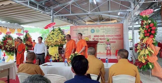 Họp mặt trước thềm Tết cổ truyền đồng bào Khmer tại chùa Tông Kim Quang ảnh 1