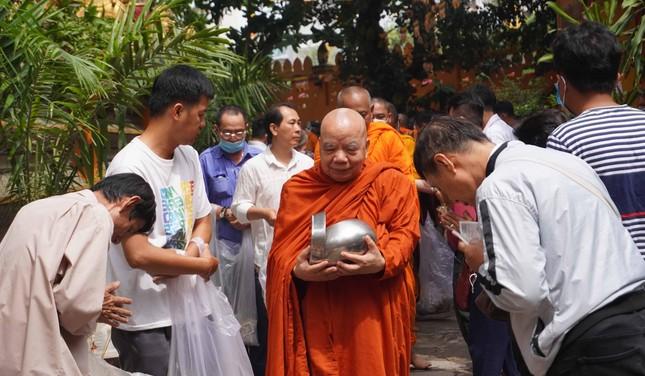 TP.HCM: Lễ Tắm Phật mừng Tết cổ truyền Chôl Chnăm Thmây ảnh 19