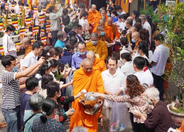 TP.HCM: Lễ Tắm Phật mừng Tết cổ truyền Chôl Chnăm Thmây ảnh 20