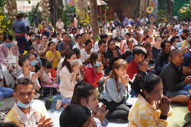 TP.HCM: Lễ Tắm Phật mừng Tết cổ truyền Chôl Chnăm Thmây ảnh 2
