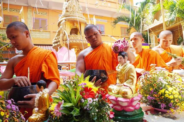 TP.HCM: Lễ Tắm Phật mừng Tết cổ truyền Chôl Chnăm Thmây ảnh 5