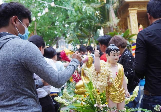 TP.HCM: Lễ Tắm Phật mừng Tết cổ truyền Chôl Chnăm Thmây ảnh 7