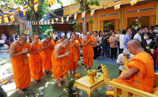 TP.HCM: Lễ Tắm Phật mừng Tết cổ truyền Chôl Chnăm Thmây ảnh 10