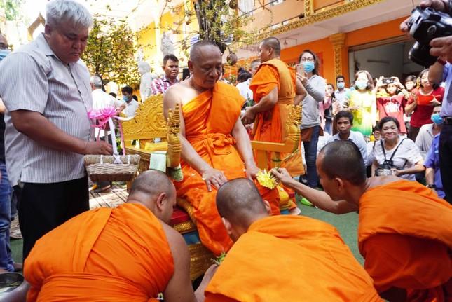 TP.HCM: Lễ Tắm Phật mừng Tết cổ truyền Chôl Chnăm Thmây ảnh 12