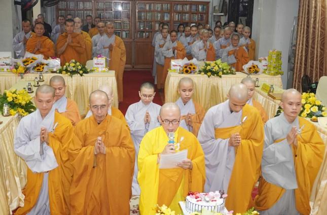 Lớp Sơ cấp Phật học quận 3 trao chứng chỉ tốt nghiệp khóa XIII đến Tăng Ni ảnh 2