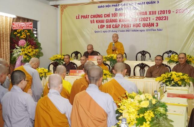 Lớp Sơ cấp Phật học quận 3 trao chứng chỉ tốt nghiệp khóa XIII đến Tăng Ni ảnh 3