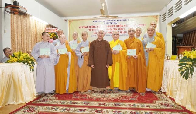 Lớp Sơ cấp Phật học quận 3 trao chứng chỉ tốt nghiệp khóa XIII đến Tăng Ni ảnh 12