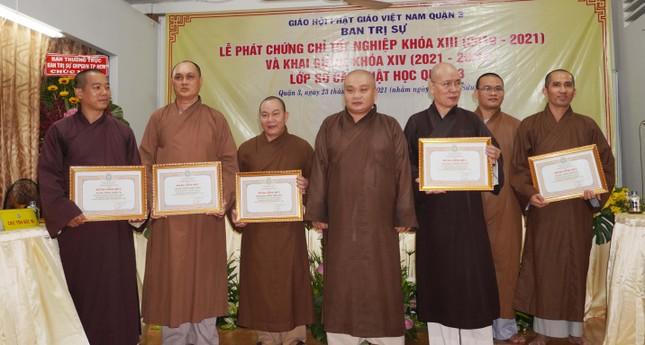 Lớp Sơ cấp Phật học quận 3 trao chứng chỉ tốt nghiệp khóa XIII đến Tăng Ni ảnh 5