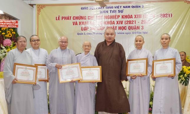 Lớp Sơ cấp Phật học quận 3 trao chứng chỉ tốt nghiệp khóa XIII đến Tăng Ni ảnh 6