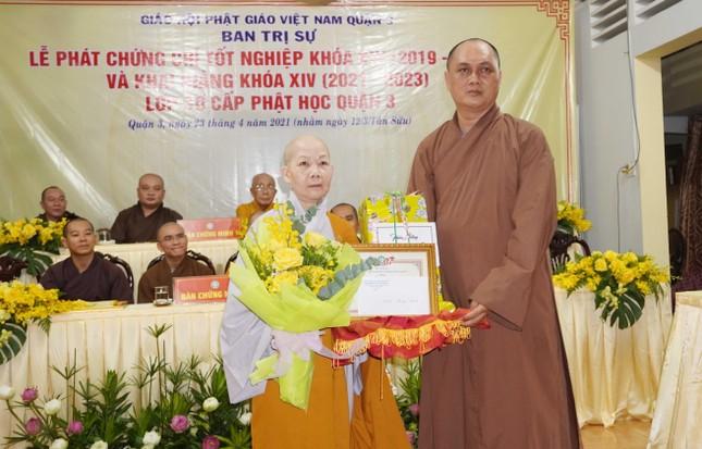Lớp Sơ cấp Phật học quận 3 trao chứng chỉ tốt nghiệp khóa XIII đến Tăng Ni ảnh 8