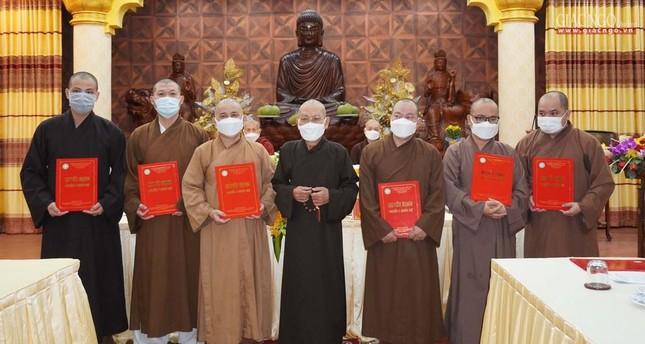Phật giáo quận 3 trao quyết định chuẩn y nhân sự và triển khai kế hoạch Phật đản, An cư kiết hạ ảnh 1