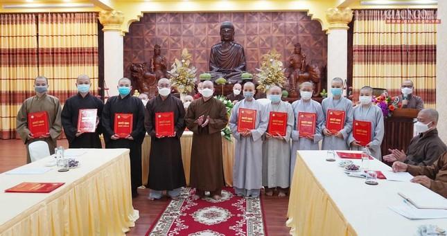 Phật giáo quận 3 trao quyết định chuẩn y nhân sự và triển khai kế hoạch Phật đản, An cư kiết hạ ảnh 3
