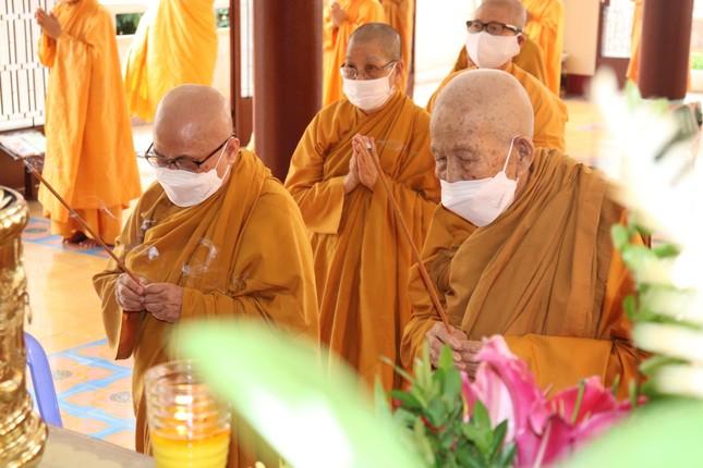 Lễ Đại tường Ni trưởng Thích nữ Ngoạt Liên tại tổ đình Ngọc Phương tổ chức trực tuyến ảnh 2