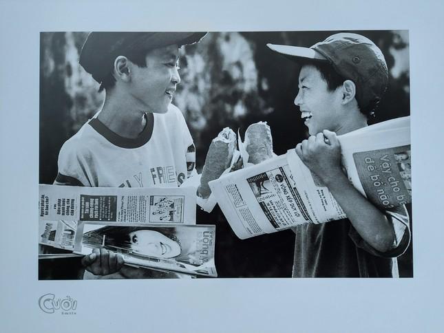 """Nhiếp ảnh gia Trần Thế Phong ra mắt sách ảnh """"Cười"""" ảnh 4"""