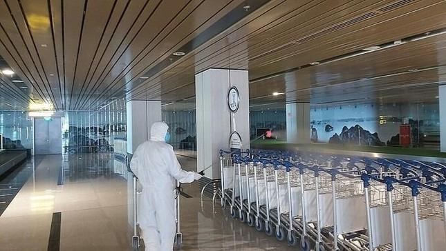Quảng Ninh: Tiếp tục đóng cửa sân bay Vân Đồn đến ngày 3-3 ảnh 1
