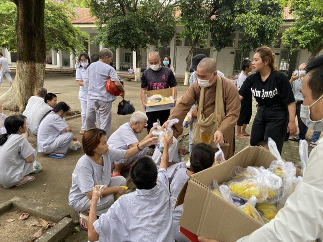 Đồng Nai: Thăm và tặng quà cho bệnh nhân bệnh viện Tâm thần Trung ương 2 ảnh 2