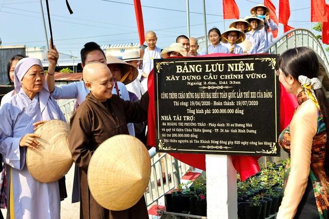 Chùa Thiên Quang khánh thành cầu giao thông, hỗ trợ xây nhà tình thương ảnh 1