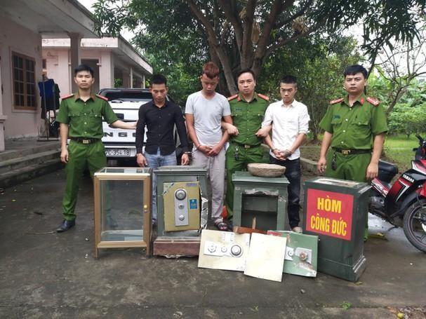 Nghệ An: Bắt giữ nhóm trộm cắp chuyên phá két sắt, tài sản đình, chùa ảnh 1