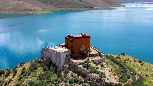 Ngắm những hình ảnh về ngôi chùa độc đáo ở Tây Tạng ảnh 3