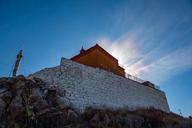 Ngắm những hình ảnh về ngôi chùa độc đáo ở Tây Tạng ảnh 7