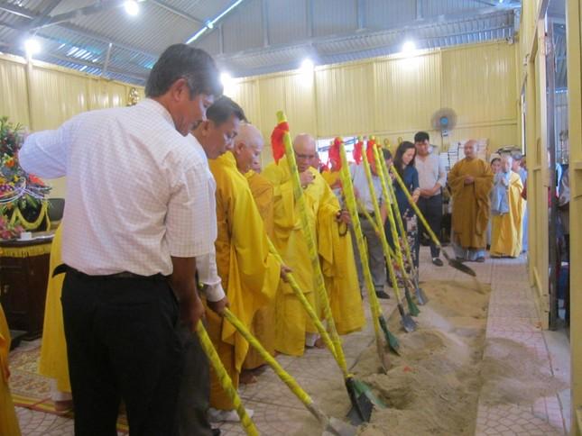 Quảng Ngãi: Lễ đặt đá xây dựng chánh điện chùa Sắc tứ Thủy Long ảnh 2