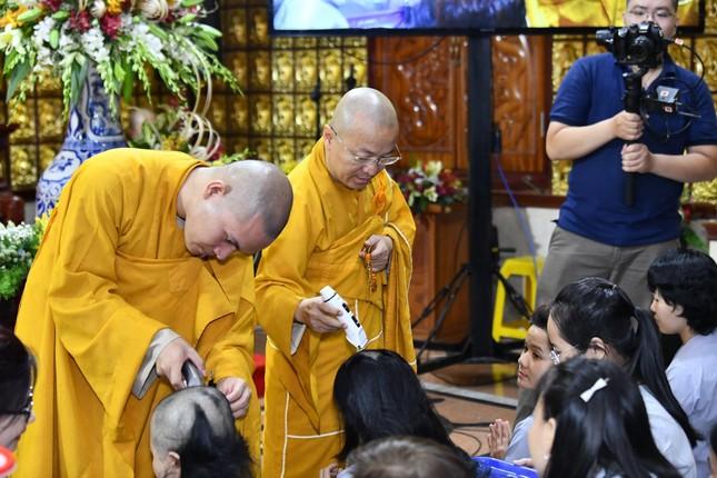 164 người tham dự khóa tu xuất gia gieo duyên tại chùa Giác Ngộ (TP.HCM) ảnh 1