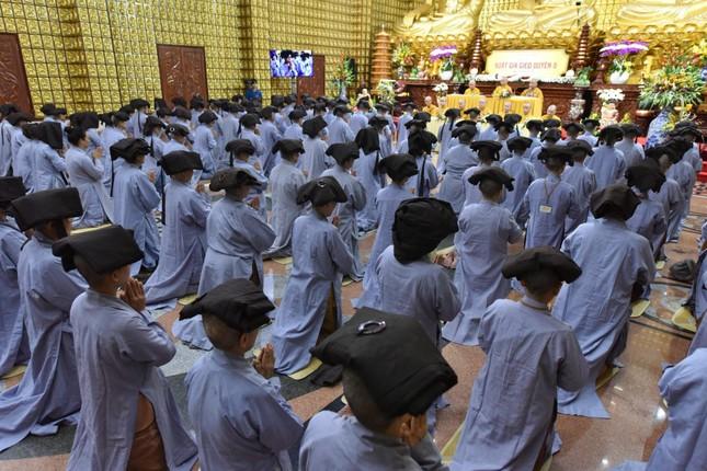 164 người tham dự khóa tu xuất gia gieo duyên tại chùa Giác Ngộ (TP.HCM) ảnh 2