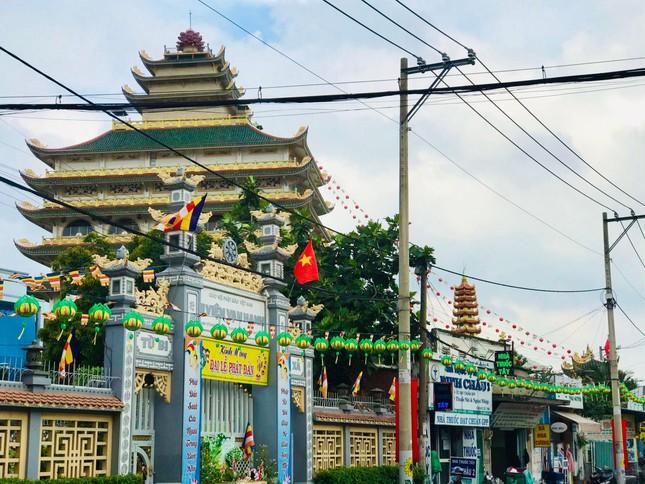 Sắc màu hân hoan Kính mừng Phật đản tại TP.Thủ Đức ảnh 3