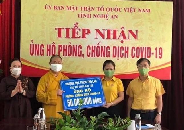 Phật giáo Nghệ An ủng hộ kinh phí phòng, chống dịch Covid-19 ảnh 1
