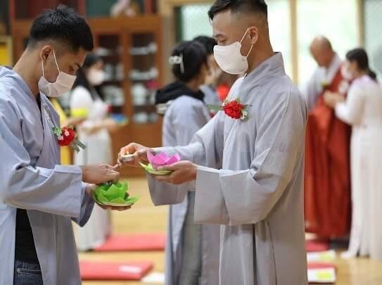Phật tử Việt Nam tại Hàn Quốc tổ chức lễ Vu lan và gây quỹ chia sẻ khó khăn mùa dịch ảnh 3