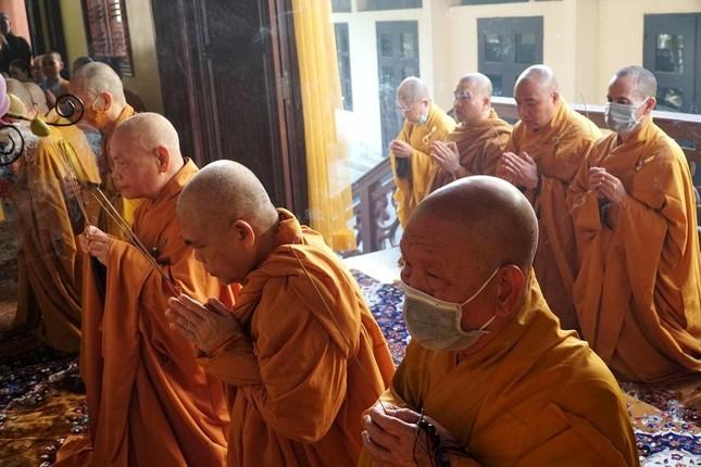Trang nghiêm lễ tưởng niệm Đức Đại lão Hòa thượng Thích Tịnh Khiết tại Huế và TP.HCM ảnh 2