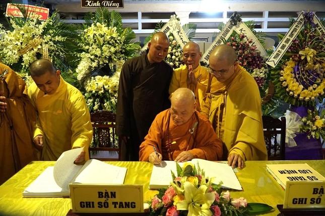 Phái đoàn Chính phủ, Trung ương GHPGVN viếng tang Trưởng lão Hòa thượng Thích Thiện Duyên ảnh 11
