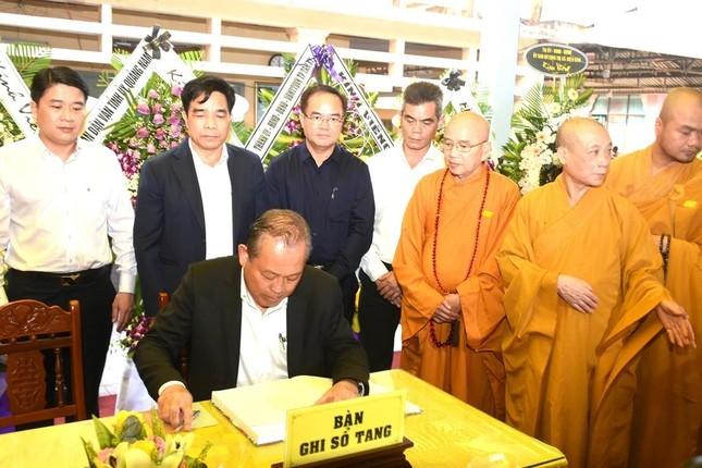 Phái đoàn Chính phủ, Trung ương GHPGVN viếng tang Trưởng lão Hòa thượng Thích Thiện Duyên ảnh 3