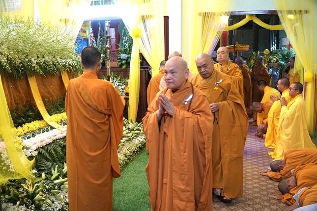 Phái đoàn Chính phủ, Trung ương GHPGVN viếng tang Trưởng lão Hòa thượng Thích Thiện Duyên ảnh 9