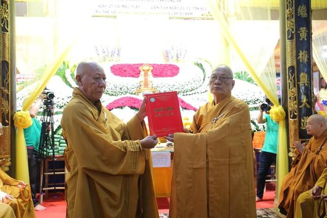 Lễ chung thất cố Hòa thượng Thích Nhật Ấn, bổ nhiệm trụ trì tổ đình Long Thạnh ảnh 3
