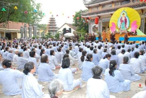 Đồng Nai: Sắc màu Hoa đăng nhân lễ vía Đức Phật A Di Đà tại chùa Phước Viên ảnh 4