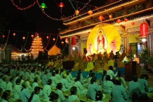 Đồng Nai: Sắc màu Hoa đăng nhân lễ vía Đức Phật A Di Đà tại chùa Phước Viên ảnh 7