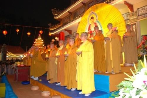 Đồng Nai: Sắc màu Hoa đăng nhân lễ vía Đức Phật A Di Đà tại chùa Phước Viên ảnh 10