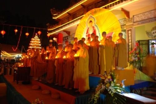 Đồng Nai: Sắc màu Hoa đăng nhân lễ vía Đức Phật A Di Đà tại chùa Phước Viên ảnh 9