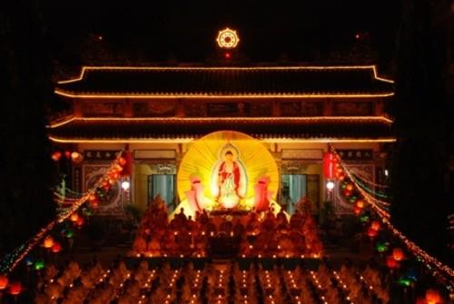 Đồng Nai: Sắc màu Hoa đăng nhân lễ vía Đức Phật A Di Đà tại chùa Phước Viên ảnh 19