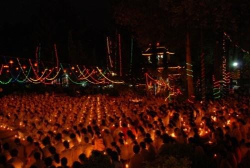 Đồng Nai: Sắc màu Hoa đăng nhân lễ vía Đức Phật A Di Đà tại chùa Phước Viên ảnh 23