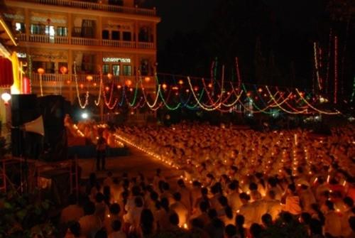 Đồng Nai: Sắc màu Hoa đăng nhân lễ vía Đức Phật A Di Đà tại chùa Phước Viên ảnh 15