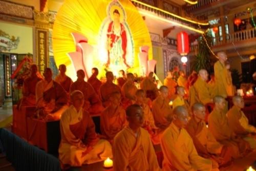 Đồng Nai: Sắc màu Hoa đăng nhân lễ vía Đức Phật A Di Đà tại chùa Phước Viên ảnh 21