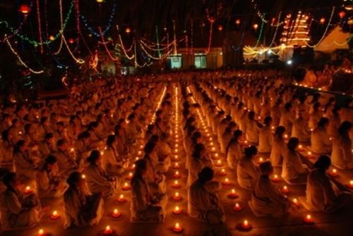 Đồng Nai: Sắc màu Hoa đăng nhân lễ vía Đức Phật A Di Đà tại chùa Phước Viên ảnh 20