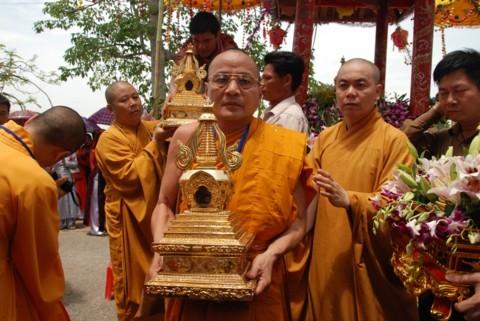 Ninh Bình: Đại lễ Phật đản và cung nghinh Xá lợi Phật về Tổ đình Kim Liên (chùa Đồng Đắc) ảnh 12