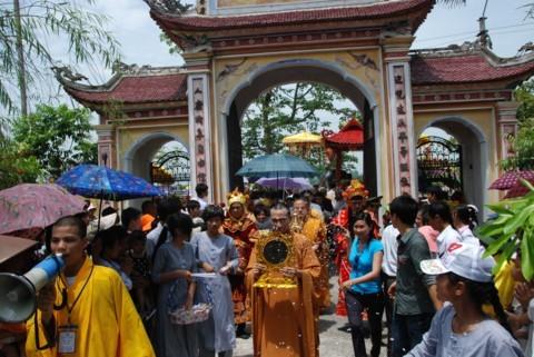 Ninh Bình: Đại lễ Phật đản và cung nghinh Xá lợi Phật về Tổ đình Kim Liên (chùa Đồng Đắc) ảnh 13